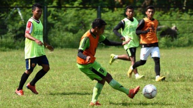 berita-olahraga-persebaya-surabaya_20170116_103431